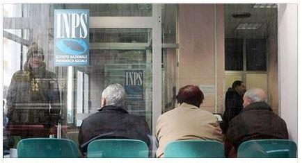 Pensioni: arriva la rivoluzione. Via dal lavoro a 62 anni e assegni più alti, tutte le novità